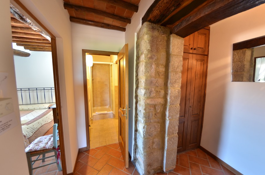 appartamenti-in-borghi-casa-in - APPARTAMENTI IN BORGHI GAIOLE IN CHIANTI (SI) MONTEBUONI