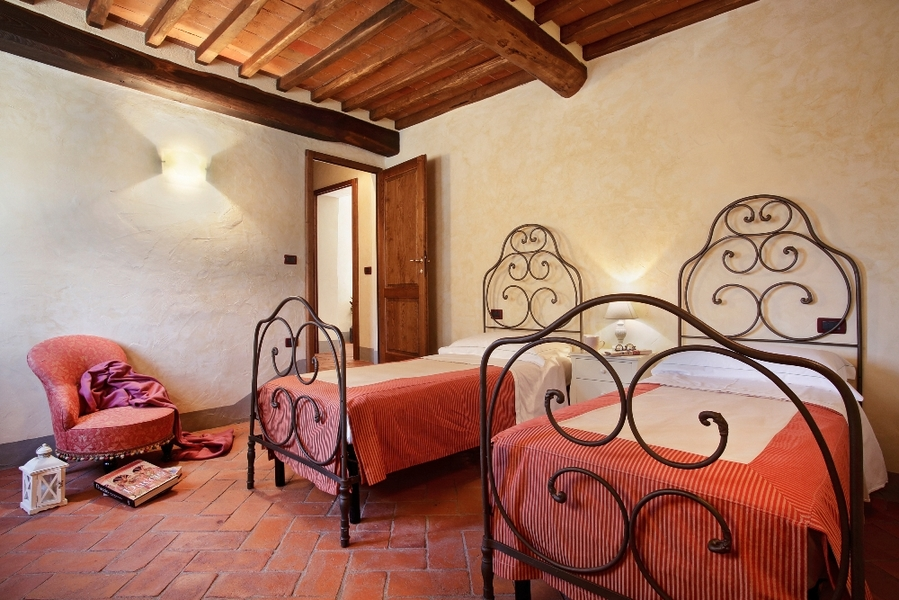 25a - Country houses GAIOLE IN CHIANTI (SI) RIETINE