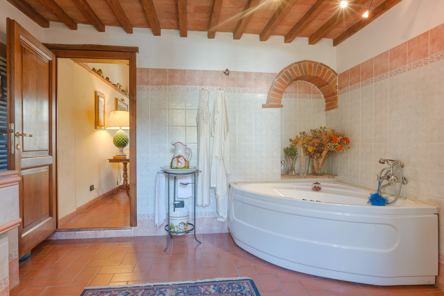 13 - Country houses RADDA IN CHIANTI (SI)