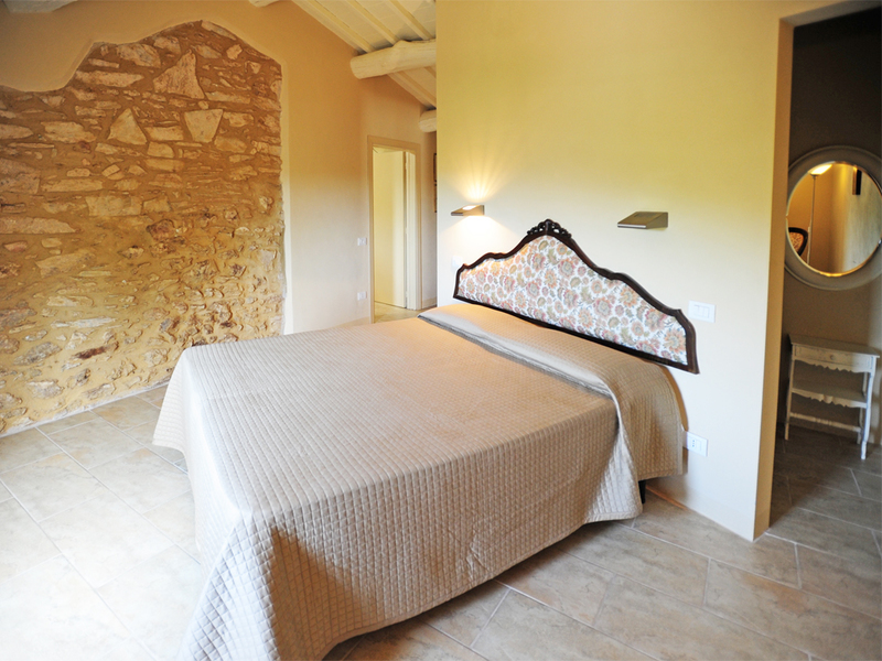 28 - Country houses SOVICILLE (SI)