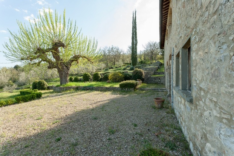 11 - Country houses RADDA IN CHIANTI (SI)