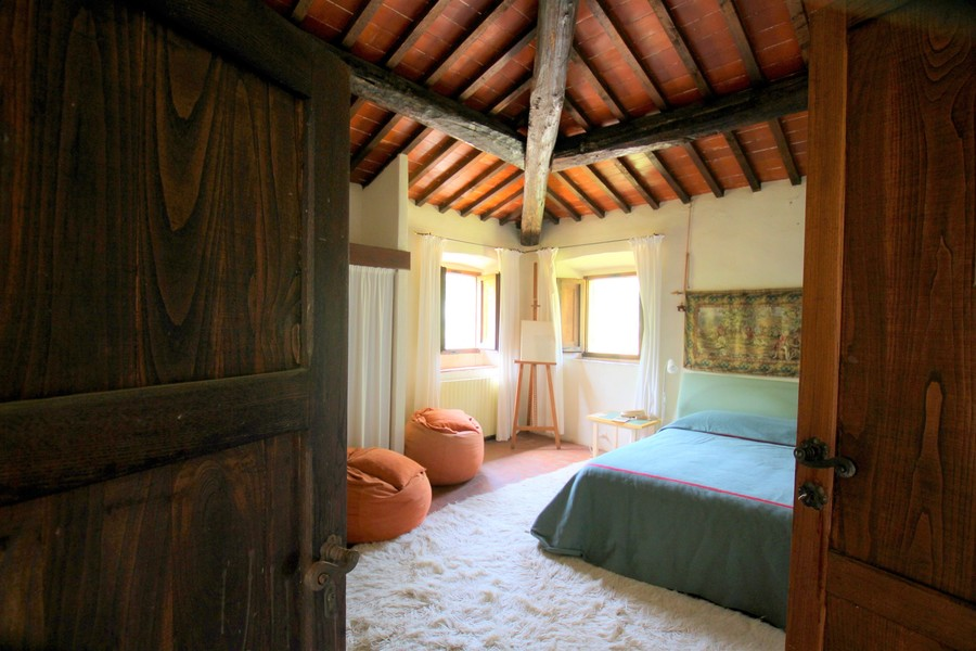 22 - Country houses RADDA IN CHIANTI (SI)