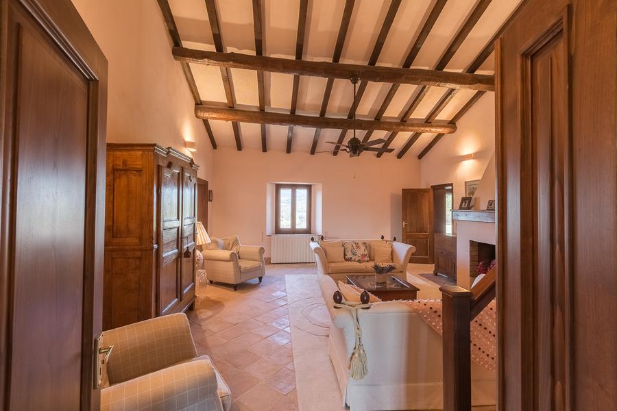 23 - Villas and castles CASTEL DEL PIANO (GR)