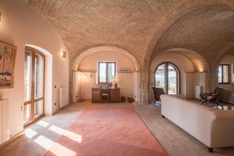 20 - Villas and castles CASTEL DEL PIANO (GR)