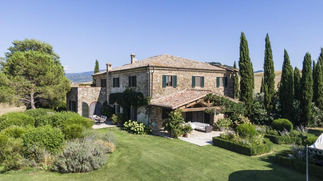 04 - Villas and castles CASTEL DEL PIANO (GR)