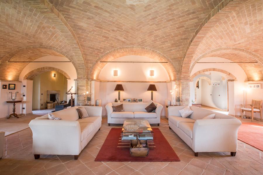 16 - Villas and castles CASTEL DEL PIANO (GR)