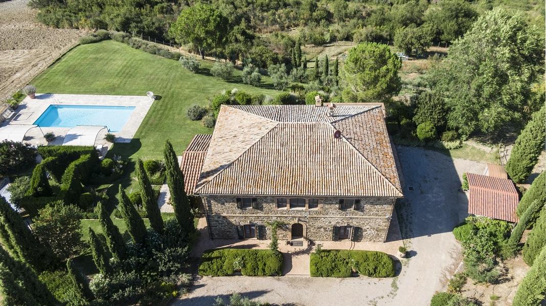 10 - Villas and castles CASTEL DEL PIANO (GR)