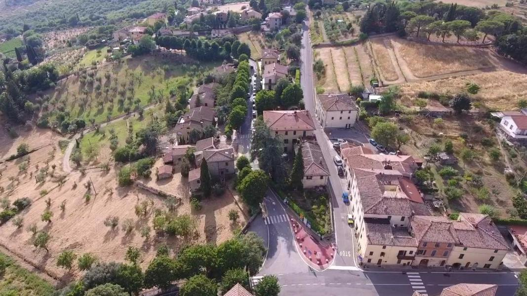 32 - Apartments in villages CASTELLINA IN CHIANTI (SI)