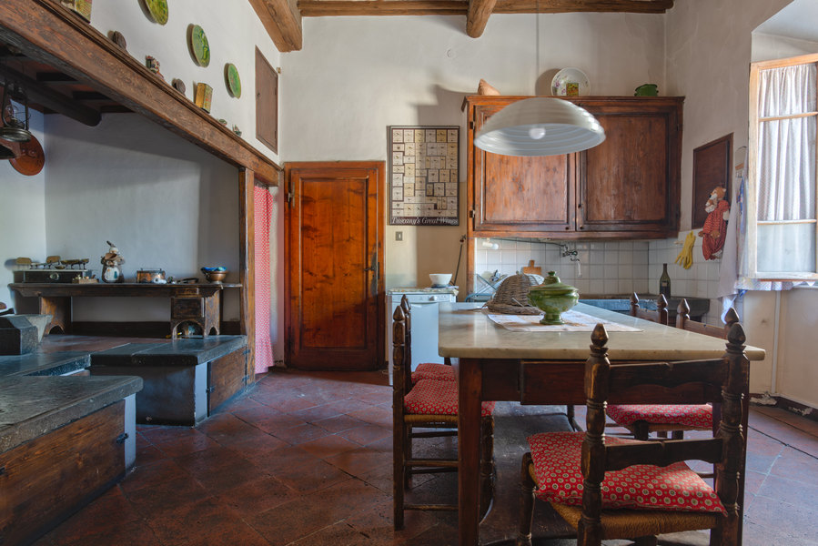 15 - Apartments in villages CASTELLINA IN CHIANTI (SI)