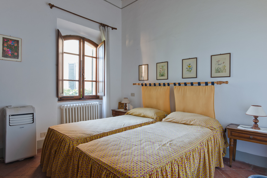 23 - Apartments in villages CASTELLINA IN CHIANTI (SI)
