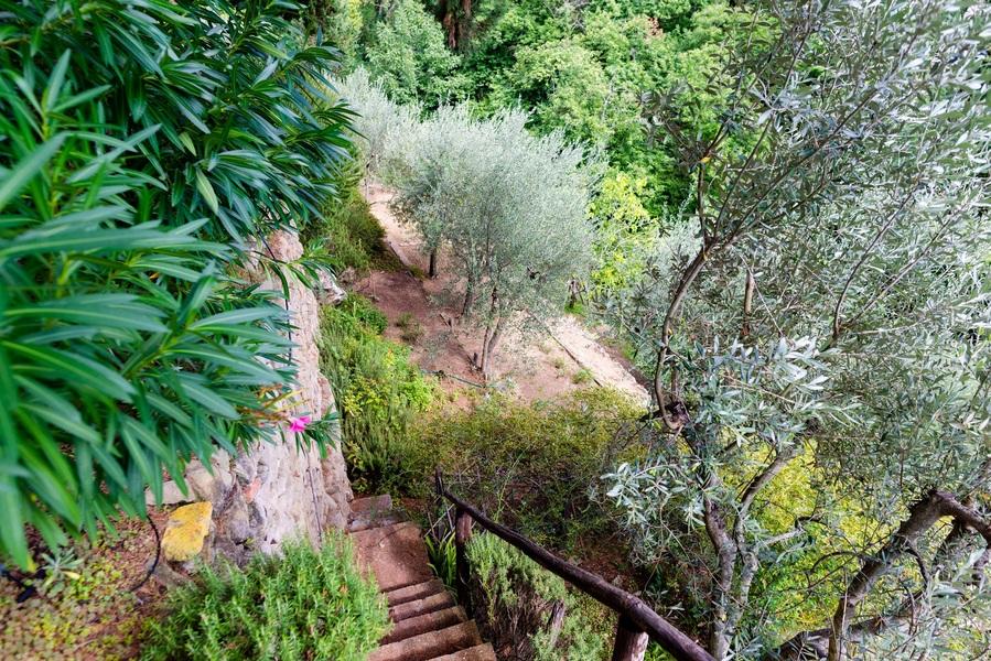 10 - APPARTAMENTI IN BORGHI GREVE IN CHIANTI (FI) LAMOLE