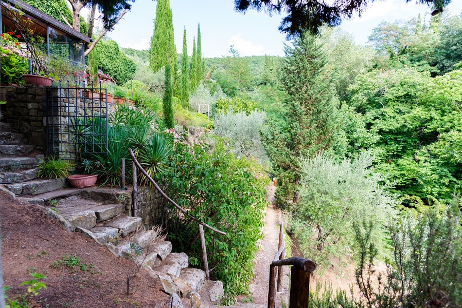 13 - APPARTAMENTI IN BORGHI GREVE IN CHIANTI (FI) LAMOLE