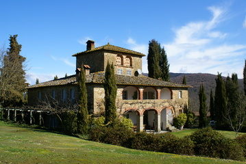 Villas and castles BUCINE (AR)